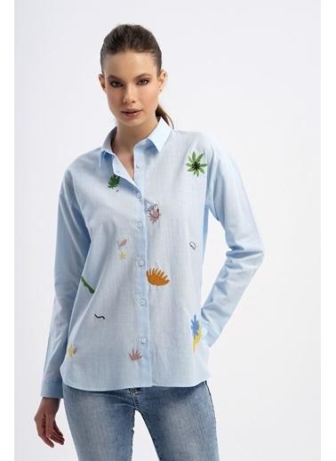 Nismia Tropikal Çiçekli Pamuklu Basic Gömlek Mavi